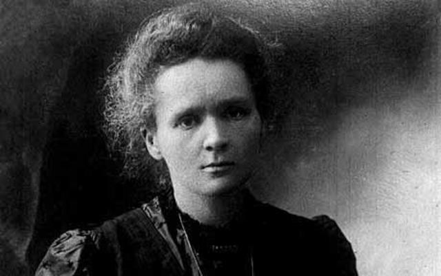 Marie Curie dies.