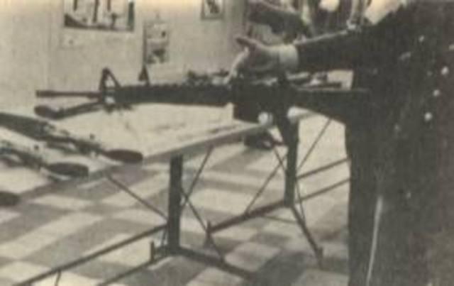 Tupamaros asaltan Club de Tiro Suizo y roban armas y municiones.