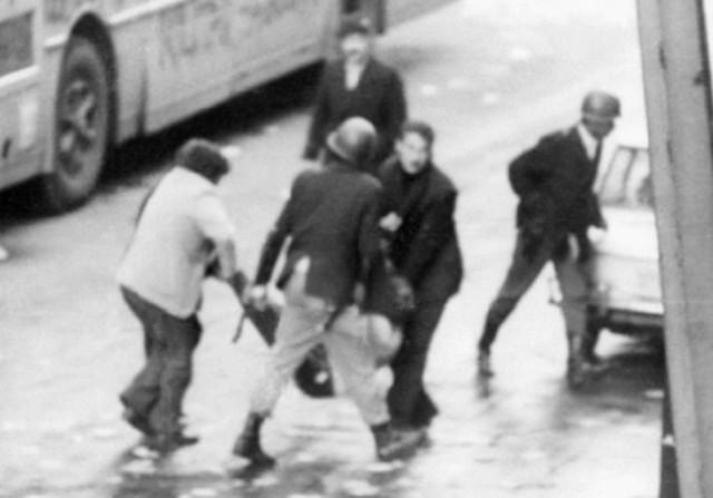 """Aparece el cadáver de Manuel Ramos Filippini, vinculado al MLN-T y asesinadopor el """"Escuadrón de la Muerte""""."""