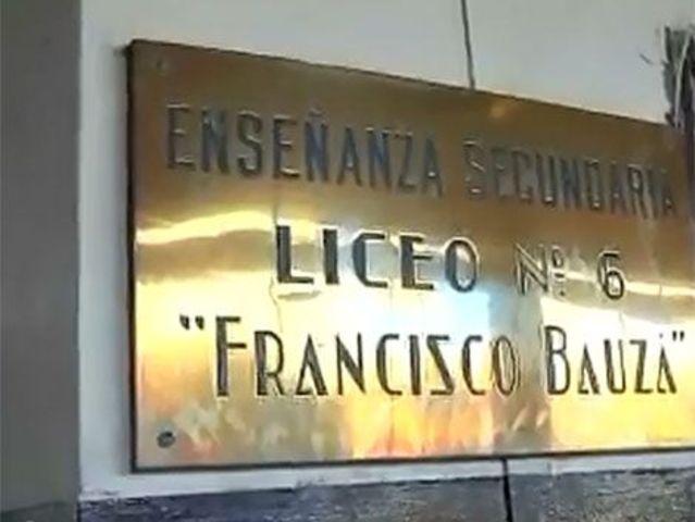 Grupos de derecha asaltan el liceo Bauzá; asaltos similares vienen ocurriendoen otros liceos.