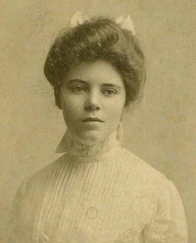 Alice Paul Forms the Woman's Party