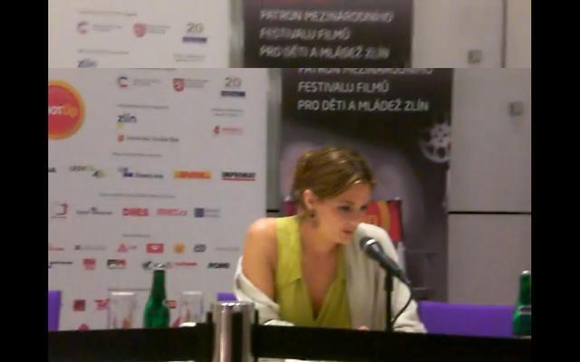 Stana singing at the Zlin Film Festival