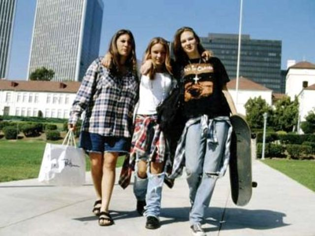 "1990s Fashion (The ""anti-fashion"" decade)"