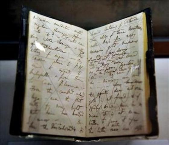 Darwin acaba de escribir su diario