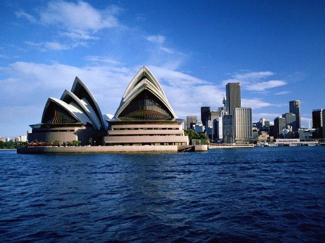 The Awesomest Person Travels To Australia