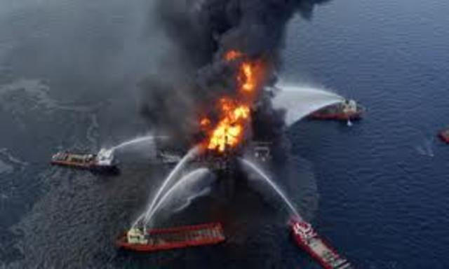 Oil rig explodes in the Gulf of Mexico