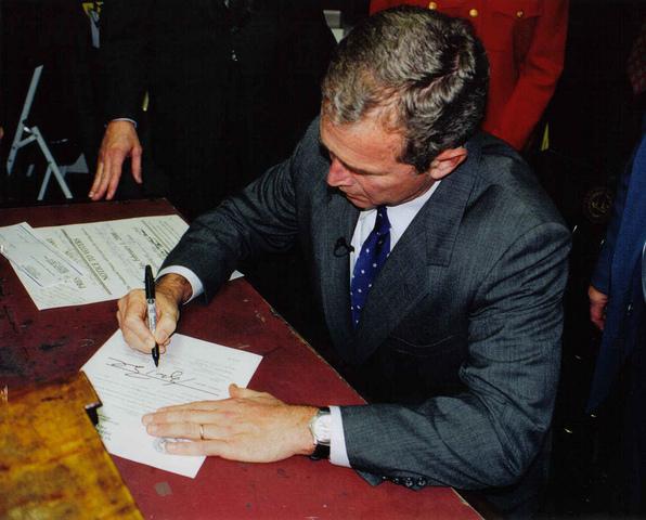 Ferdinane VI of SPain and Pope Benedictus XIV sign concord