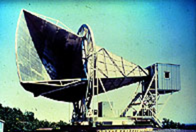 Penzias and Wilson discover cosmic microwave radiation