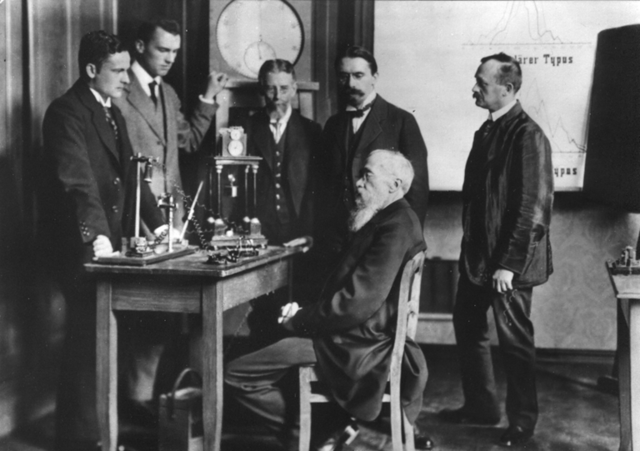 Wundt takes professorship at Leipzig University, Germany