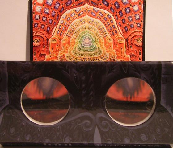 Tool's 10.000 Days uses stereoscopic discplaycase