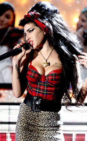 : Winehouse wins the Ivor Novello song writing prize