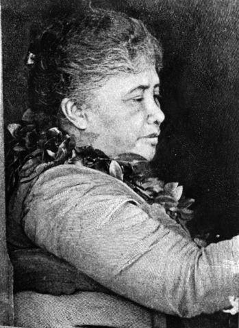 Liliuokalani becomes queen