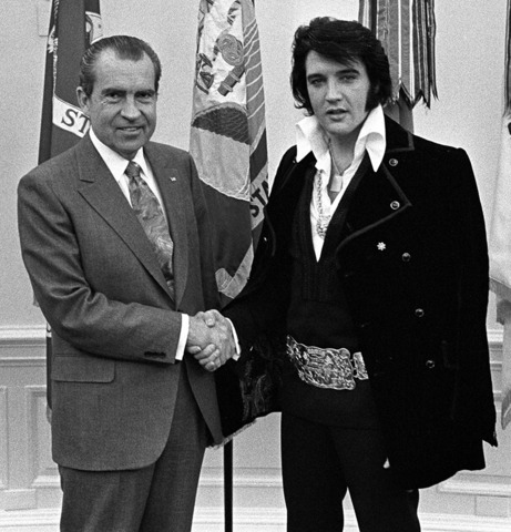 Elvis meets with President Richard M. Nixon