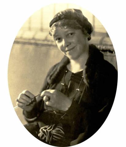 Ruth Comfort Mitchell was born