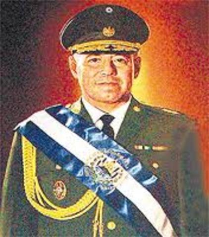 General Fidel Sanchez HernándezPresidente de la República