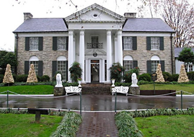Elvis owns his own Graceland Mansion