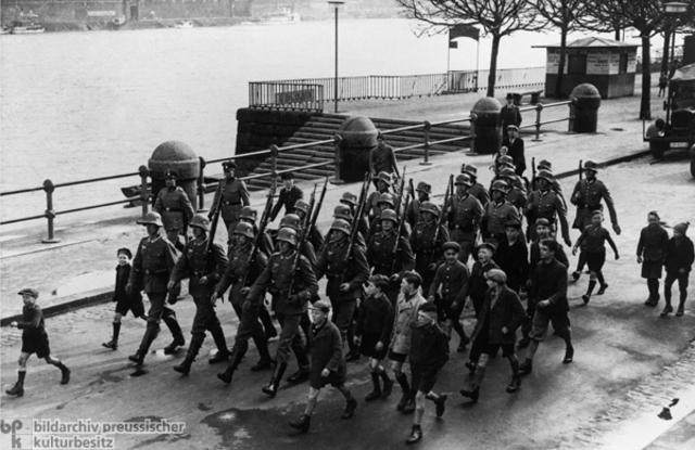 France militarizes the Rhineland