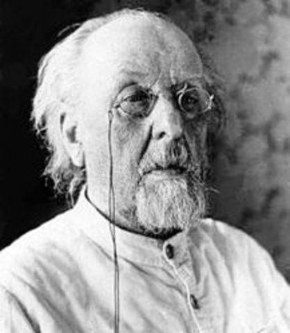 Βιογραφία του Κονσταντίν Τσιολκόφσκι