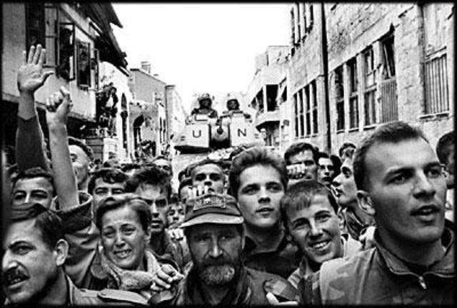 Civil War ends in Bosnia-Herzegovina