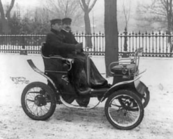 Karl Friedrich Benz invents first electric automobile