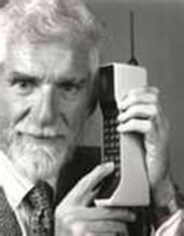 Dr. Martin Cooper invented first handset