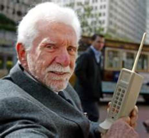 Dr. Cooper set up first working prototype of cellular telephone