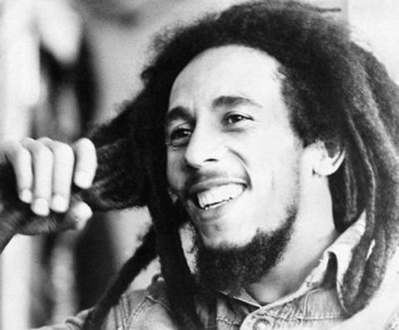 Nace Bob Marley