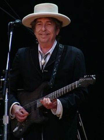 Bob Dylan makes his first tour of Australia supported by the band.