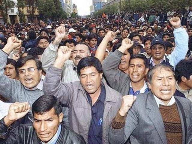 Inmigración peruana y la Crisis asiática