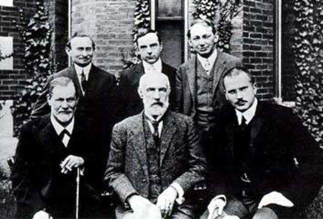 Freud lectures on psychoanalysis at Clark University, Worcester, Massachusetts