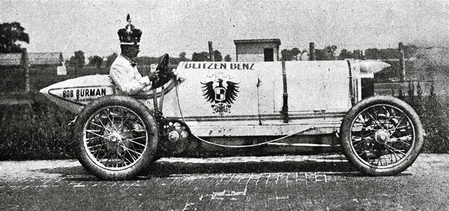 Benz makes first gasoline powered commercial auto
