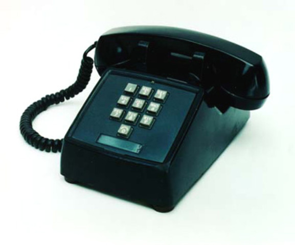 First touchtone phone was introduced to the general public from AT&T
