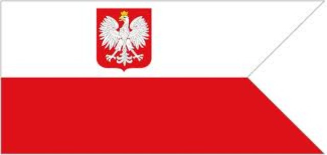 Poland becomes independent USSR