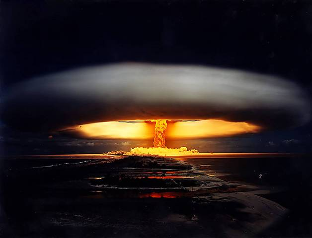 France atom bomb