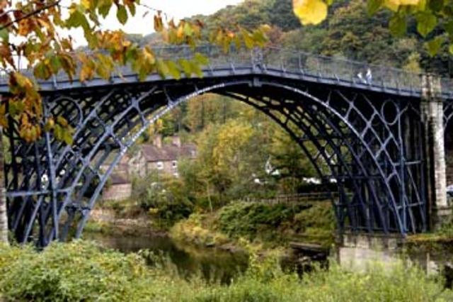 Πρώτη σιδερένια γέφυρα