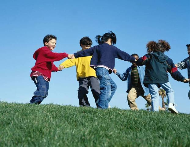 Toddler-School age : Peers