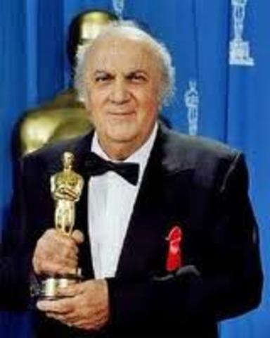 Fellini ha ricevuto il Life Achievement Award al European Film Awards