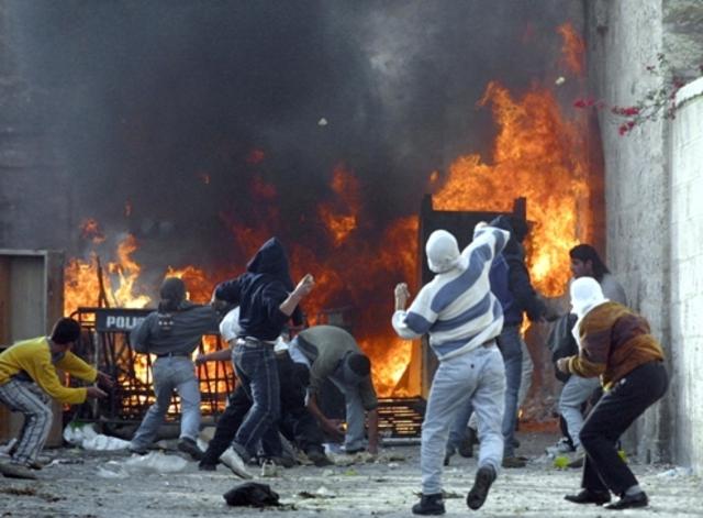 Début de la seconde Intifada