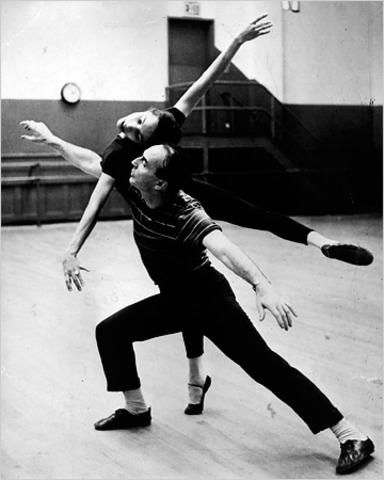 Maria marries George Balanchine in New York City
