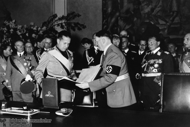 Nazis sign a pact with Italy.