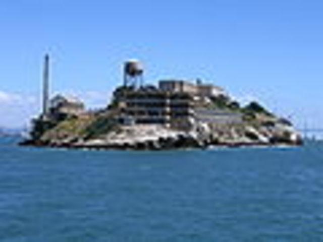 Alcatraz prison closes