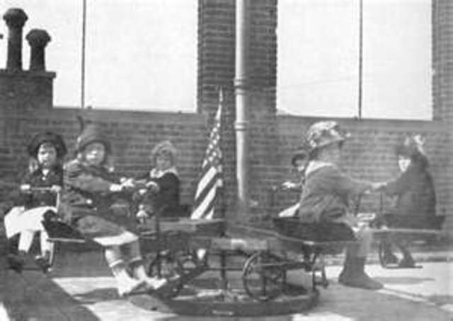 Calvert School of Baltimore became the first elementary school to offer correspondence courses to students.