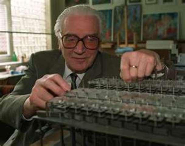 Konrad Zuse builds the first electromechanical computer.