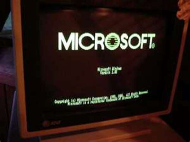 First version of Microsoft Windows is released