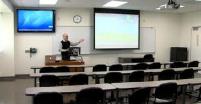 University of Wisconsin created the Articulated Instructional Media Project to study the best use of technology.