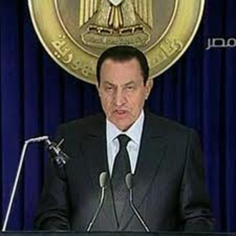 Egypt: Mubarak Tries to Headoff Protests