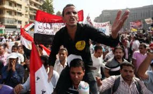Egyptians demand quicker move to democracy