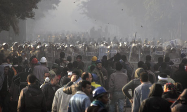Egypt's violence continues in Cairo streets over military rule