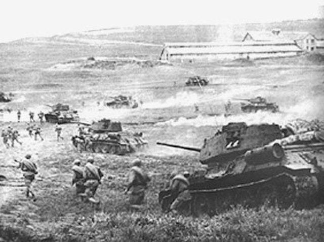 Germans begin their last offensive against Kursk.