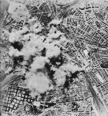 Allies bomb Rome